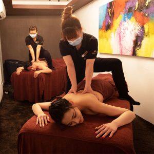 Aroma Oil Back Massage